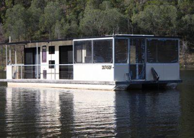 Lake Monduran Houseboat 5