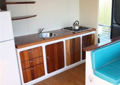 Lake Monduran Houseboat4
